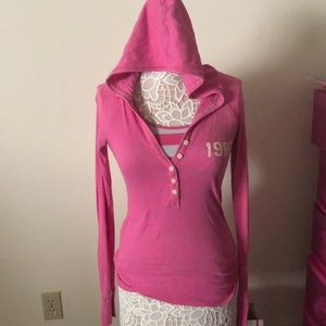 Causal pink t bundle